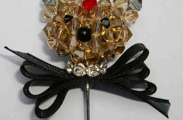 SWACC015 YORKY BROCHE CRYSTAL NEGRO A XMK